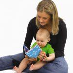 فواید کتاب خوانی برای کودکان نوپا