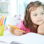 این کارها، خلاقیت کودک را در نطفه خفه می کند