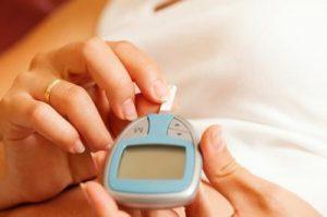 کنترل قند خون در بارداری باید چگونه باشد؟