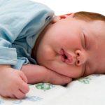 علت نخوابیدن نوزاد و راه حل هایی برای آن