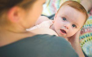 فواید شگفت انگیز تغذیه با شیر مادر را می دانید!