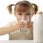 شیر پاستوریزه برای کودک، از چه سنی شروع کنیم؟