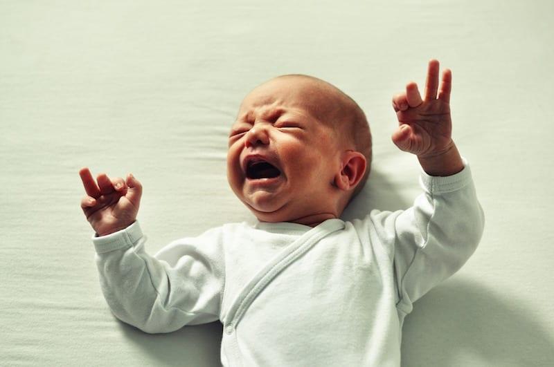درمان کم آبی در نوزادان