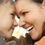 ابراز احساسات والدین به فرزندانشان